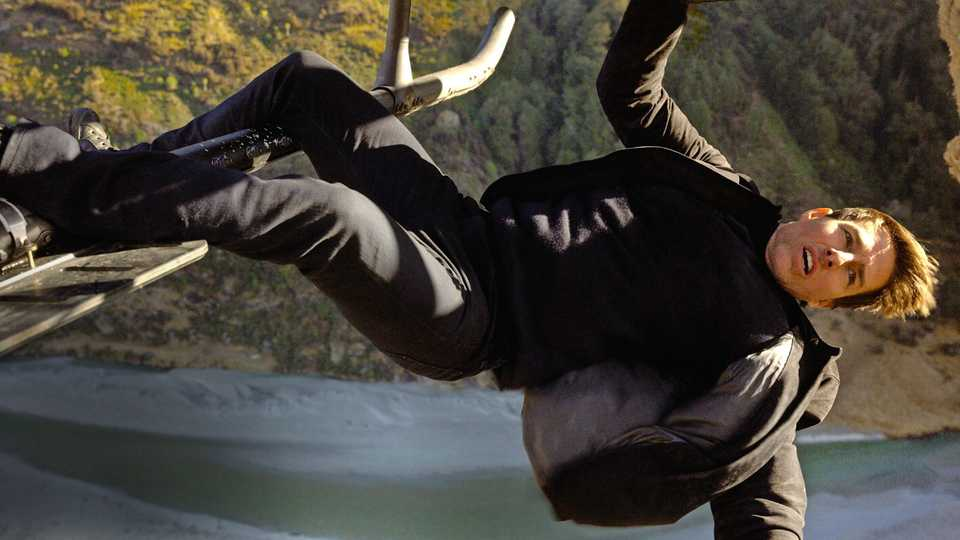 Mission Impossible Fallout — Exclusive Image from Tom Cruise Helicopter Stunt