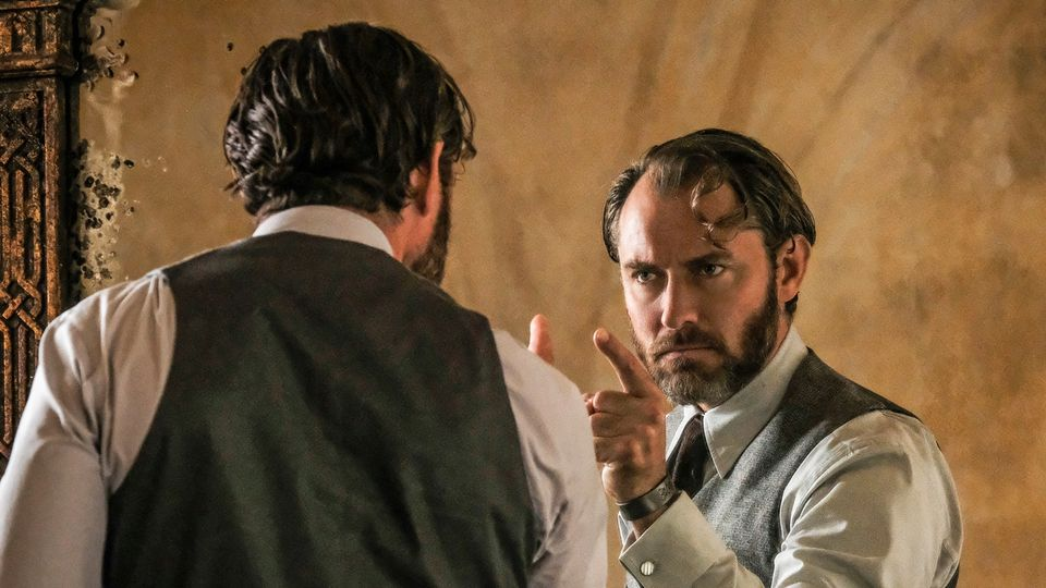 Fantastic Beasts The Crimes Of Grindelwald Exclusive Images Of Dumbledore And Newt Scamander Movies Empire