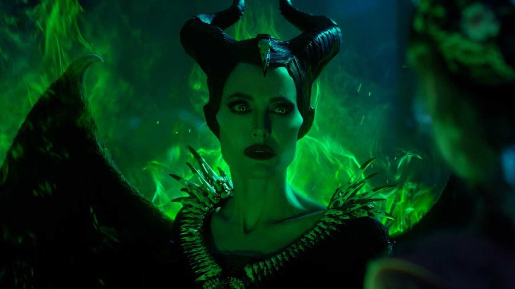 Maleficent Mistress Of Evil Teaser It S The Season Of The