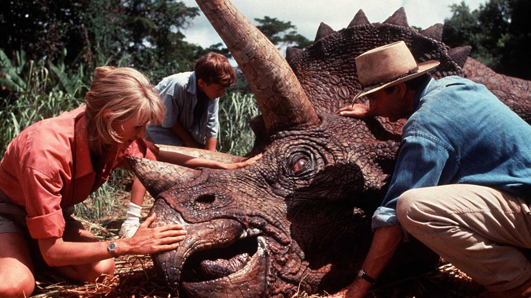 Bryce Dallas Howard Hints At Jurassic Park Cast Showing Up In Jurassic World 3 Movies Empire