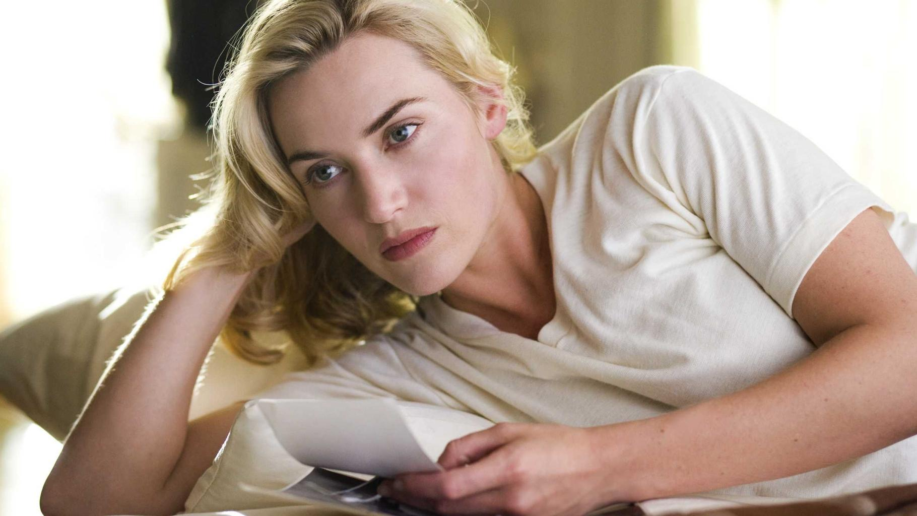50 sexiest actresses top 20 Famous
