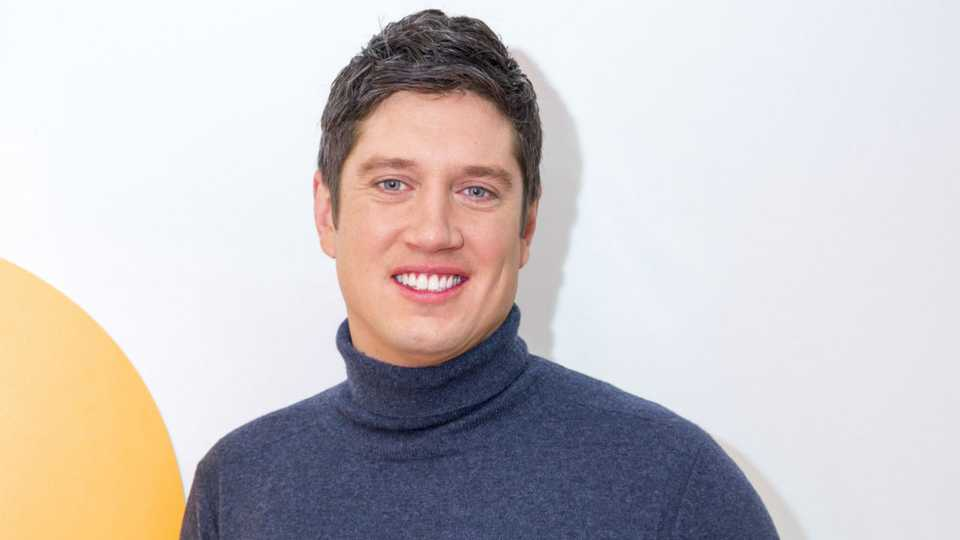 Vernon Kay 'sexting Rhian Sugden AGAIN despite being married