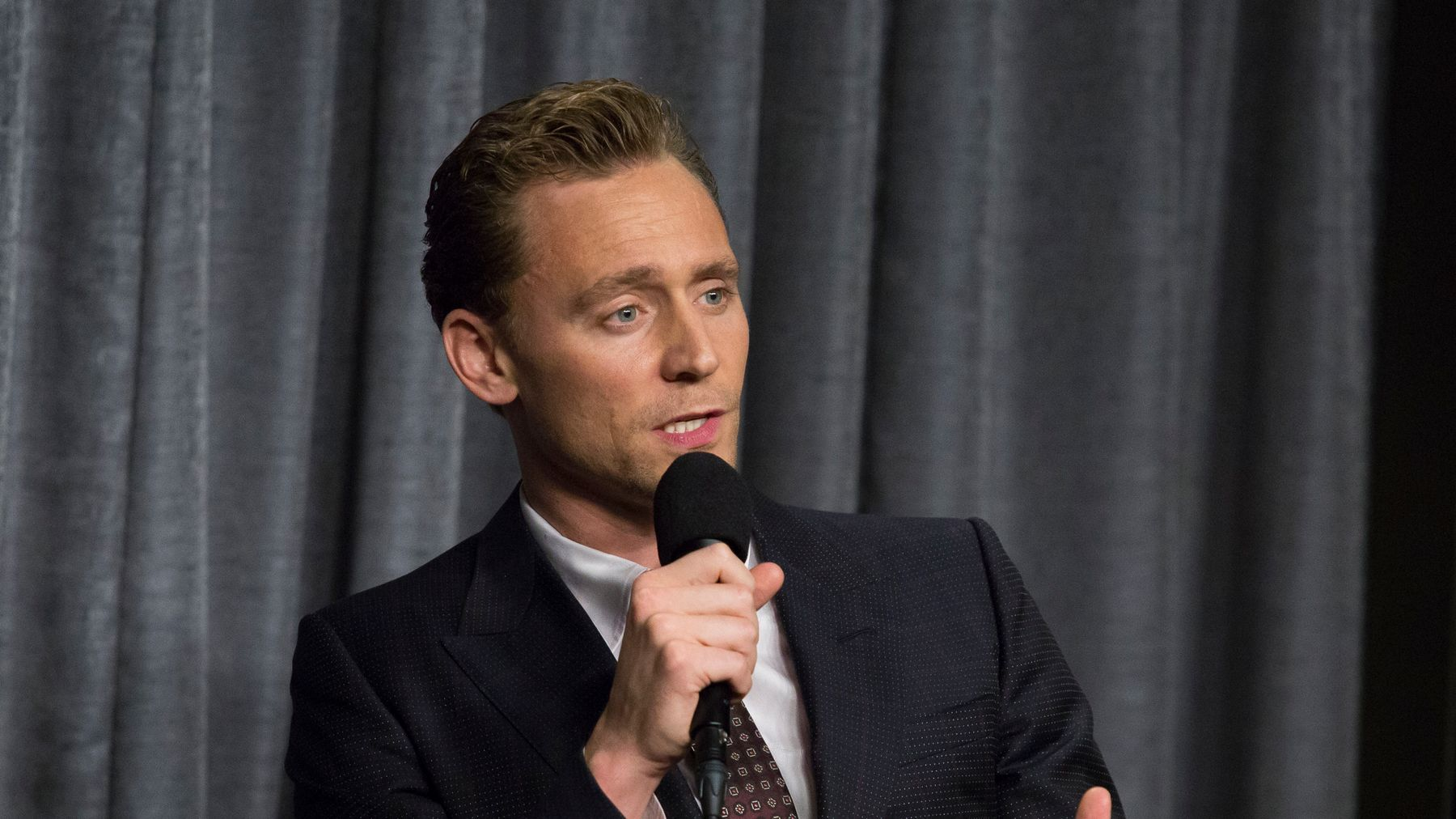 Tom Hiddleston Reveals What It's Like To Date Taylor Swift
