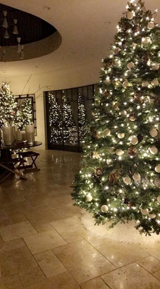 Celebrity Christmas trees: the best for 2016 | Celebrity | Heat
