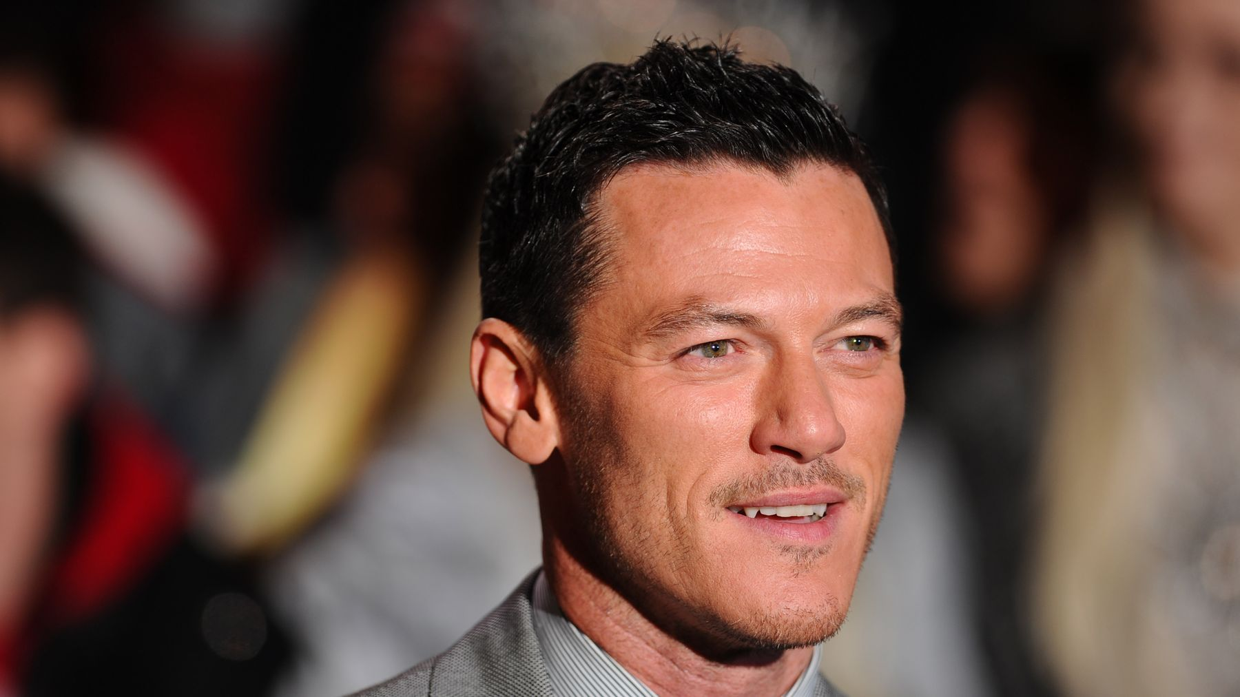 Haven Gaston the most swooning reactions to luke evans playing gaston in