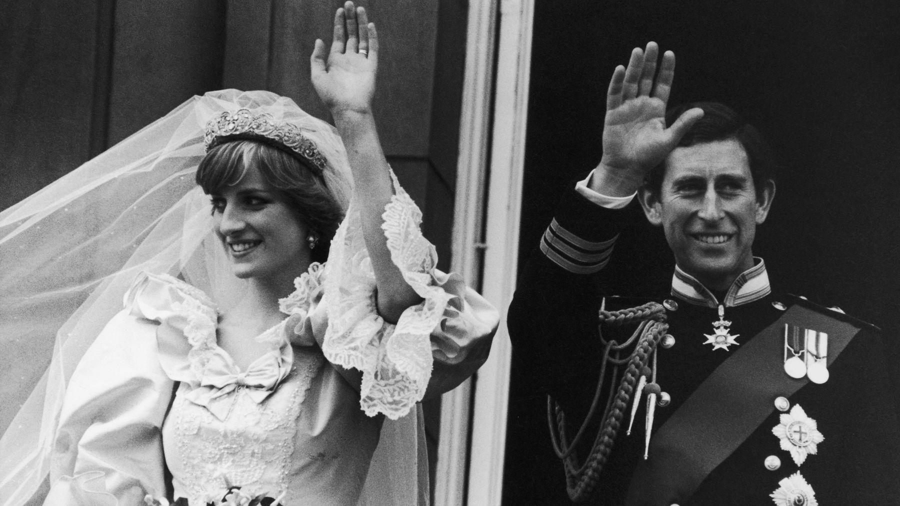 Diana And Charles Wedding.Prince Charles Wept The Night Before His Wedding To