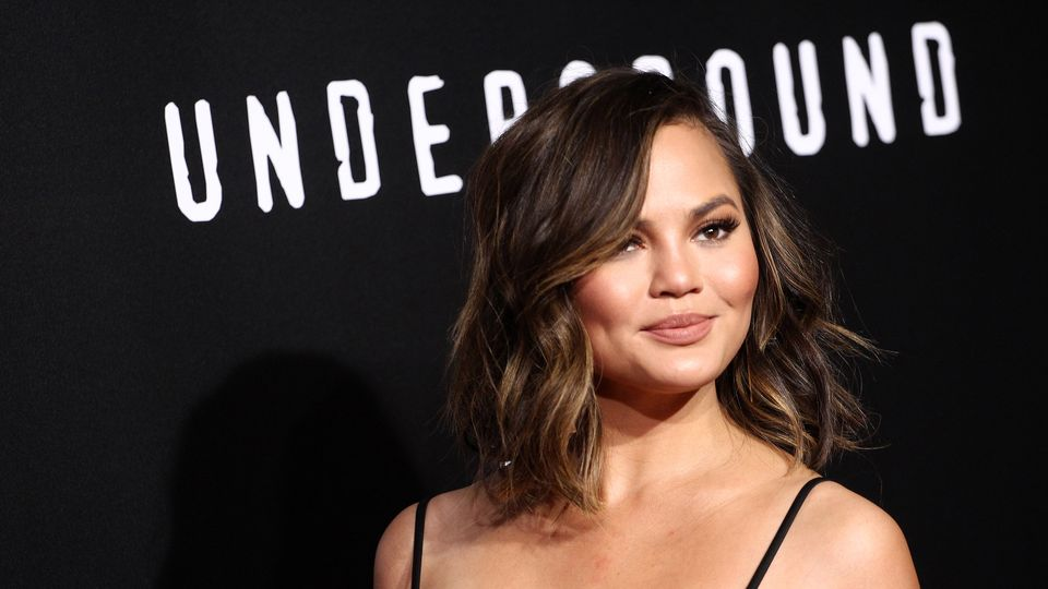 Chrissy Teigen Just Paid A Student S Tuition Fees Grazia