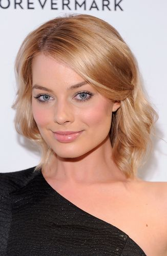Margot Robbie S Most Flawless Hair Moments Grazia
