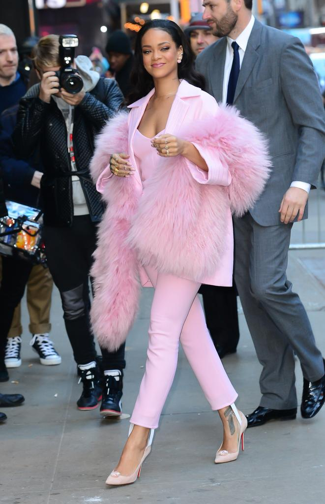 31 of Rihanna\u0027s Most Memorable Outfits Of All Time
