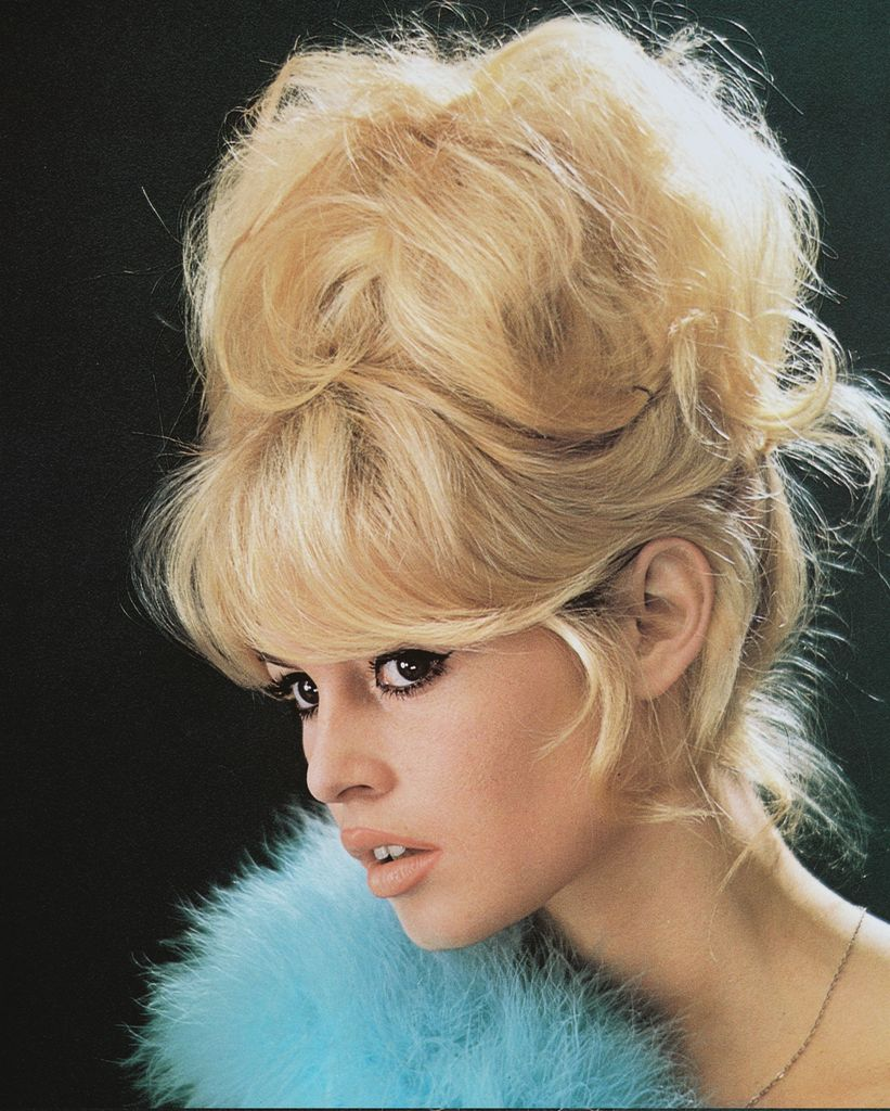 7 Iconic 60s Makeup Looks You Could Totally Wear Today