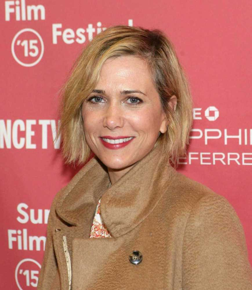 Kristen Wiig - 2020 Dark brown hair & alternative hair style.