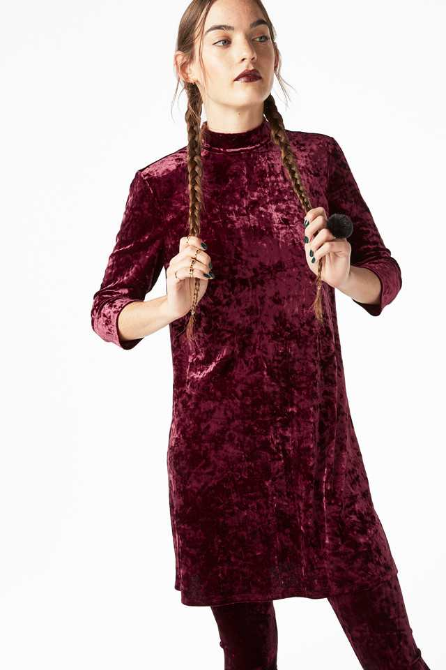 e3eafadcc1fc 9 Velvet Dresses For When You Don t Want To Wear Sequins This Party ...