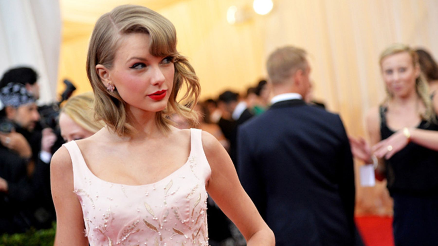 The 6 Style Secrets We Learned From Taylor Swift's Wardrobe | Grazia