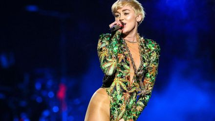 Miley Cyrus Is A Better Singer Than Taylor Swift Says This Highly Scientific Chart Grazia