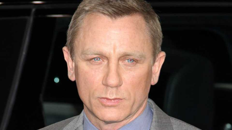 """dff7b8c1aa Daniel Craig says he """"could do without"""" being bombarded for selfies ..."""