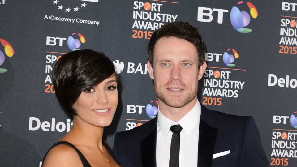 Frankie Bridge's bump is BLOOMING at 6 months pregnant – she