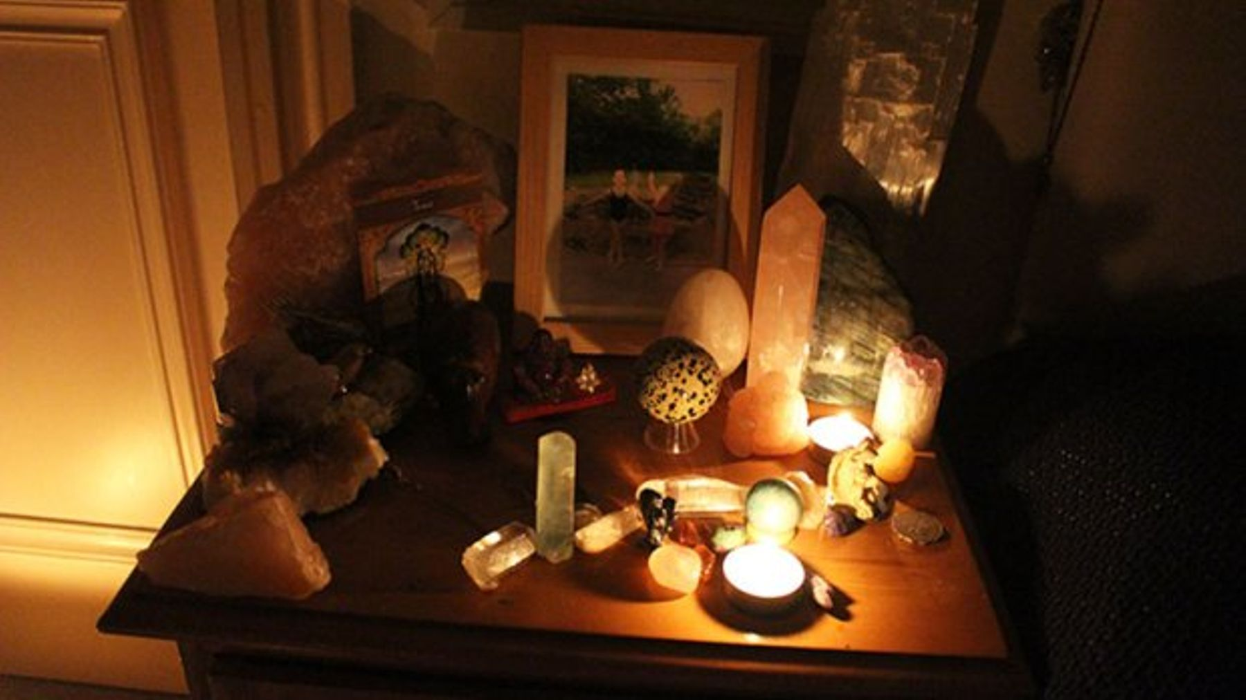 What Happened When I Tried Crystal Healing To Cure My Stress