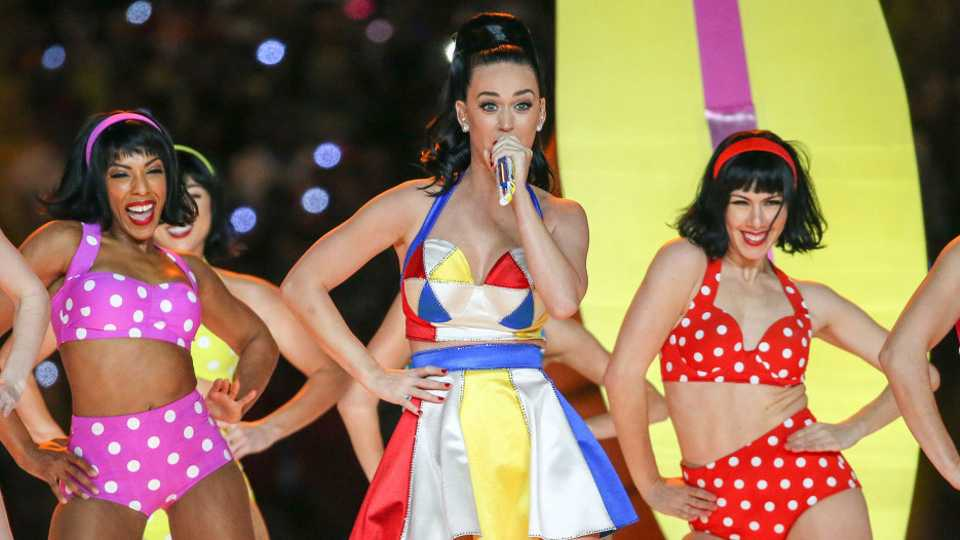 Is It Just Us Or Are Katy Perry S Super Bowl Back Up Dancers