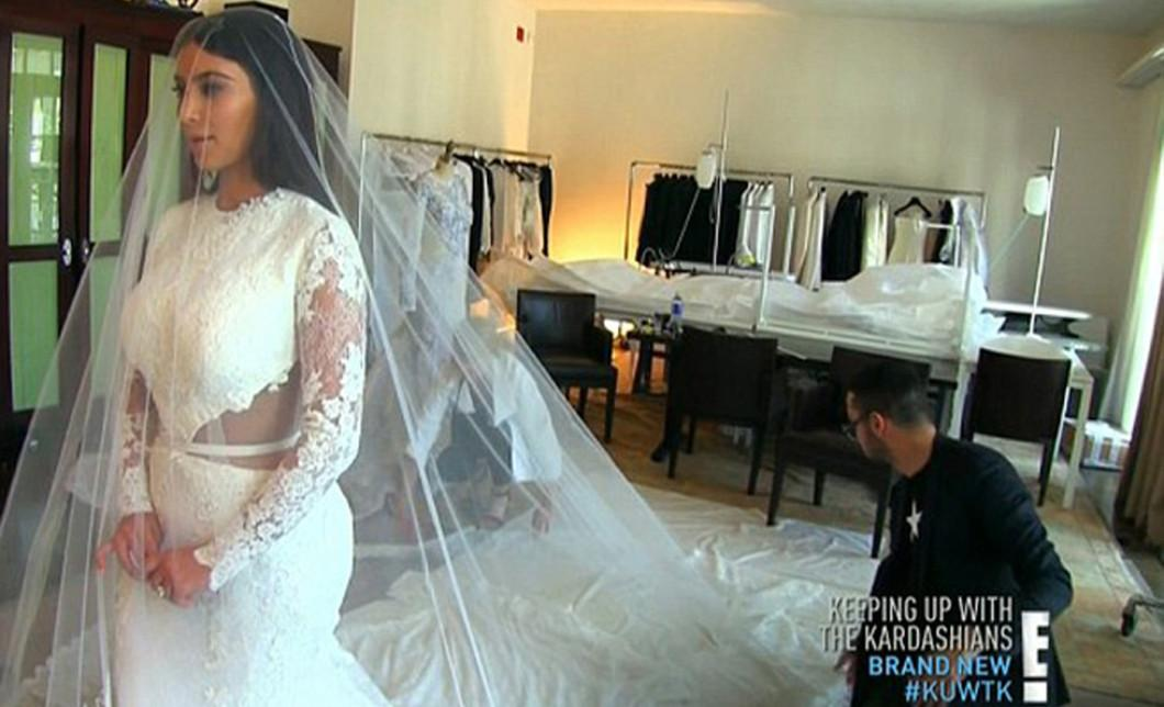 Kim Kardashian S Wedding Dress Ing