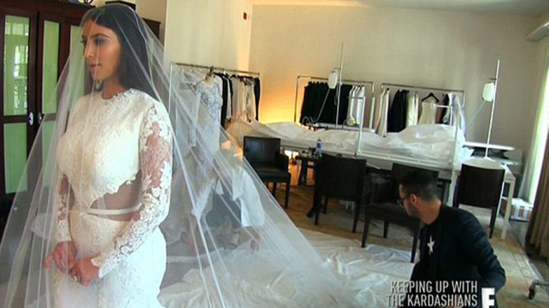 Kim Kardashian S Wedding Dress Ing Has Aired On Keeping