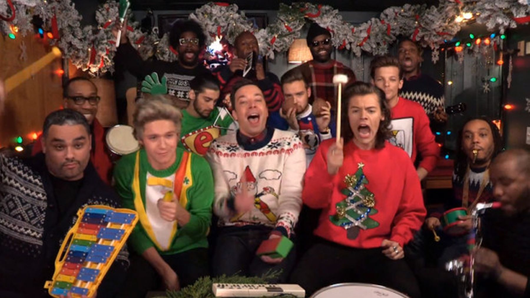 Jimmy Fallon Christmas.One Direction On Jimmy Fallon In Christmas Jumpers We Just