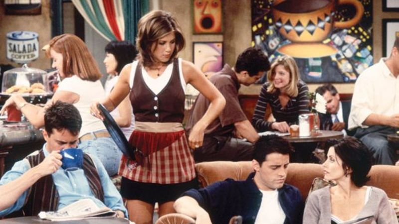 14 Iconic Rachel Green Workwear Outfits From Friends That Stand Up Today