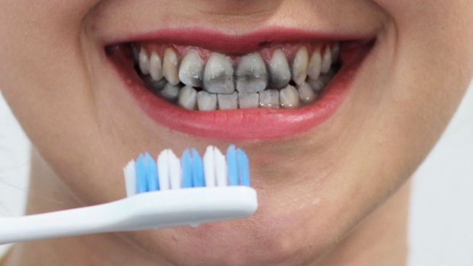 Review Does Charcoal Teeth Whitening Toothpaste Actually Work