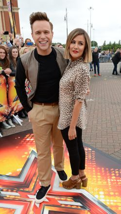 X Factor Olly Murs And Caroline Flack Slammed For Lack Of On Screen Chemistry And Missing Filming Entertainment Heat