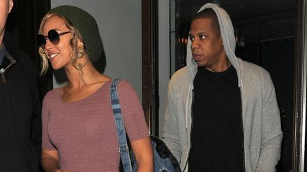 Are Beyonce And Jay Z Consciously Uncoupling Singer Posts Photo Of Faded Wedding Ring Tattoo On Instagram Closer