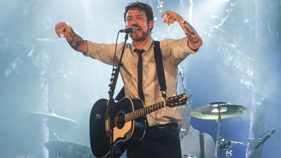 Frank Turner plays free Bournemouth gig for Blink-182 ticketholders