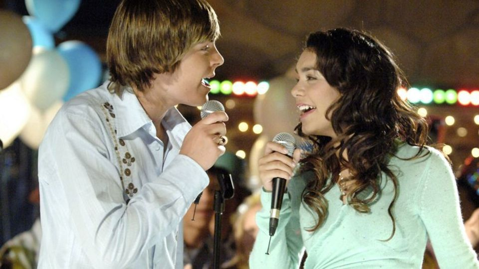 Heres The Real Reason Zac Efron Didnt Sing In High School Musical
