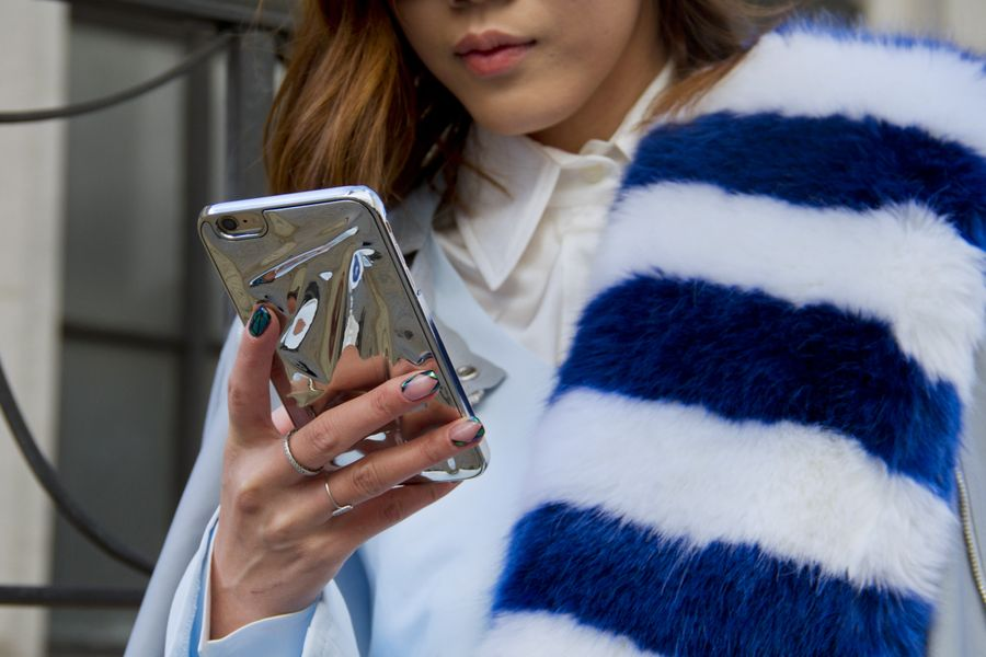 The 5 Biggest Texting Dilemmas And How Girls Should Handle Them   Grazia