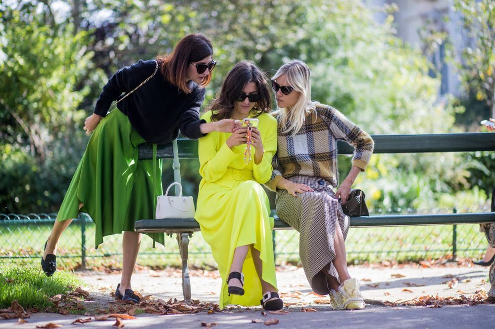 The 5 Biggest Texting Dilemmas And How Girls Should Handle