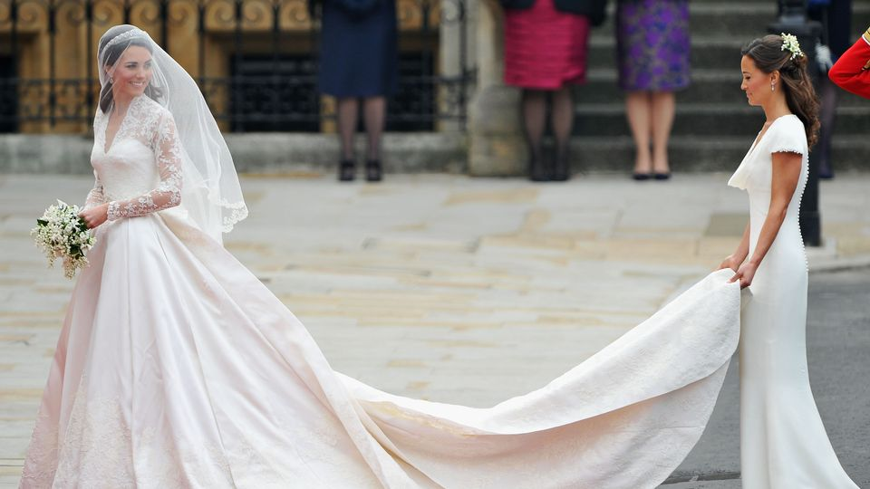 How Kate Middleton S Wedding Dress Was Kept Secret Grazia