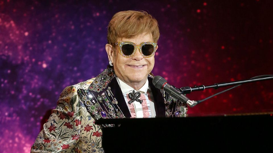 Royal Wedding Cancelled.Elton John Has Cancelled Two Gigs The Weekend Of The Royal Wedding