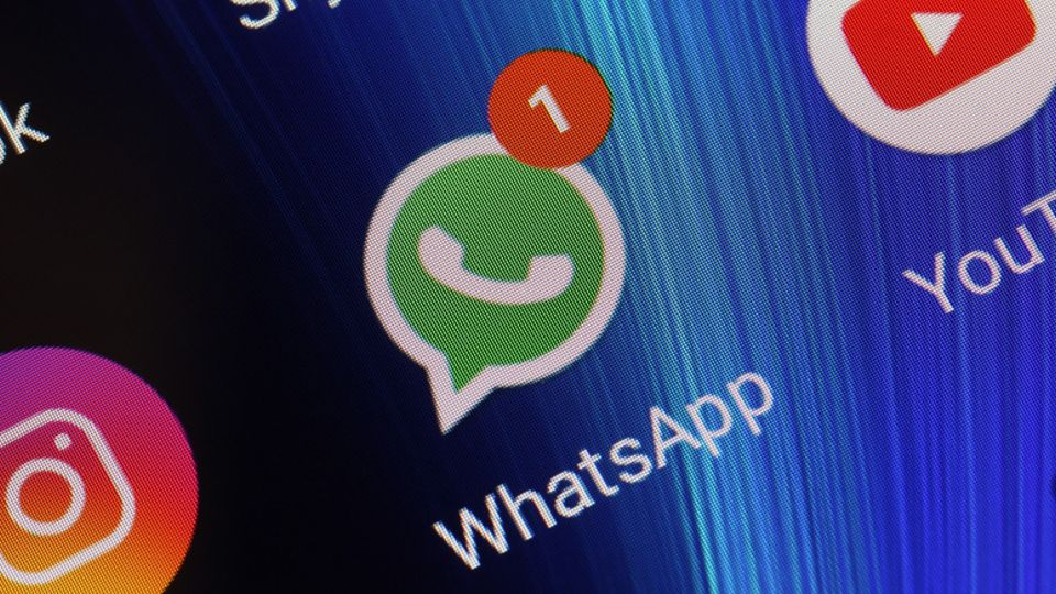 how to download photo from whatsapp