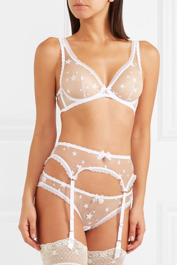a8af8cf153c3 How To Choose The Prettiest Bridal Underwear For Your Wedding Day ...