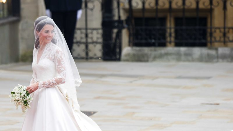 The Beautiful Bridal Hairstyles Of Royal Weddings Gone By