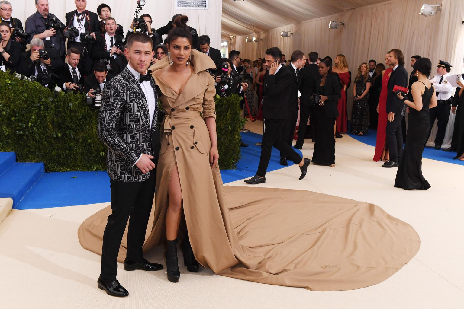 Priyanka Chopra And Nick Jonas Relationship Is Breaking Every