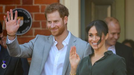 the duke and duchess of sussex announce they re expecting a baby closer the duke and duchess of sussex announce
