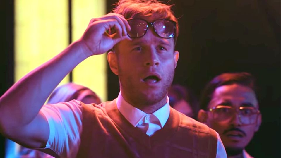 Olly Murs drops his 'Moves' music video which features Rowan