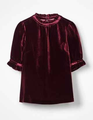 All The Velvet Pieces We Re Coveting Right Now Grazia