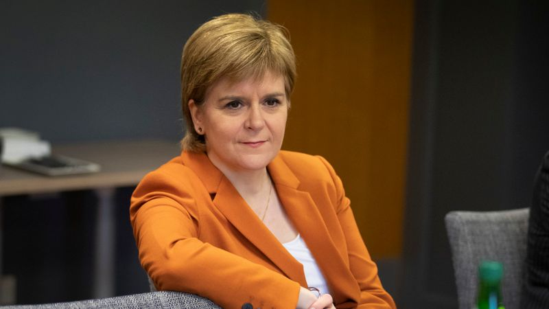 Sturgeon praises Church approach to Independence