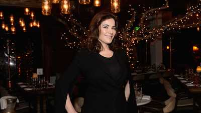 Nigella Lawson Has Revealed Her £5.99 Secret To Perfect Skin And It Involves Rubber Gloves