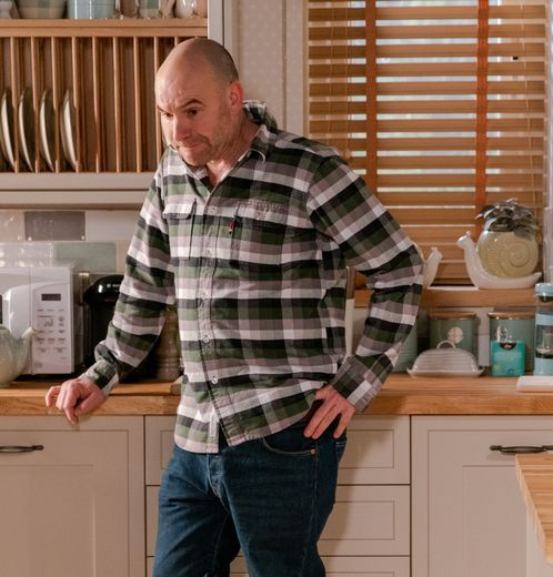 Coronation Street CHRISTMAS spoilers: Lewis Archer threatens