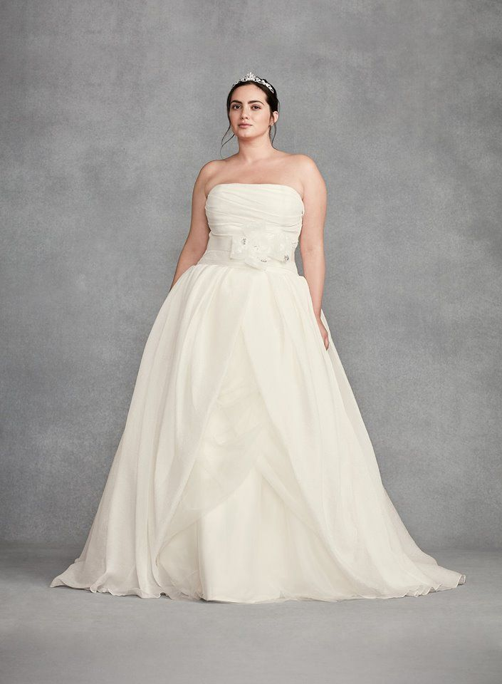 4269b7f709 If you ve always dreamed of walking down the aisle in Vera Wang