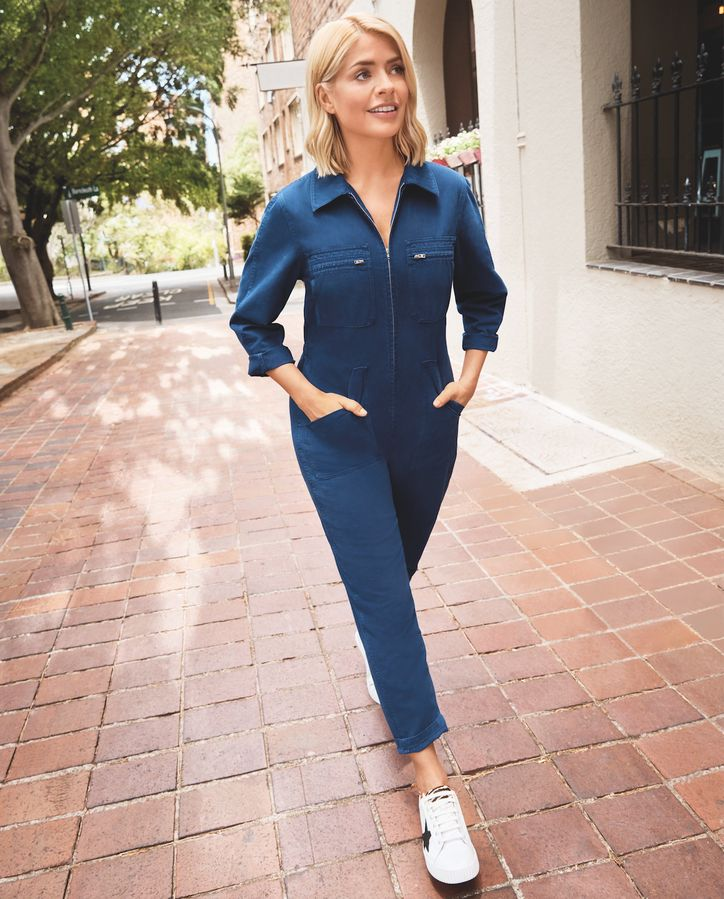 0645968b2 Exclusive First Look: Holly Willoughby's Latest M&S Denim Collection ...