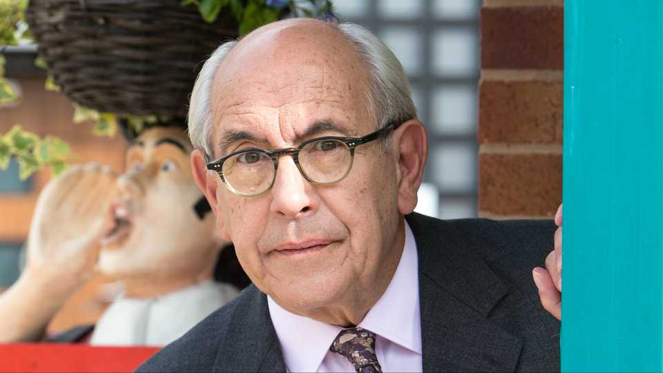 First Look At Norris Coles Corrie Comeback Following Malcolm
