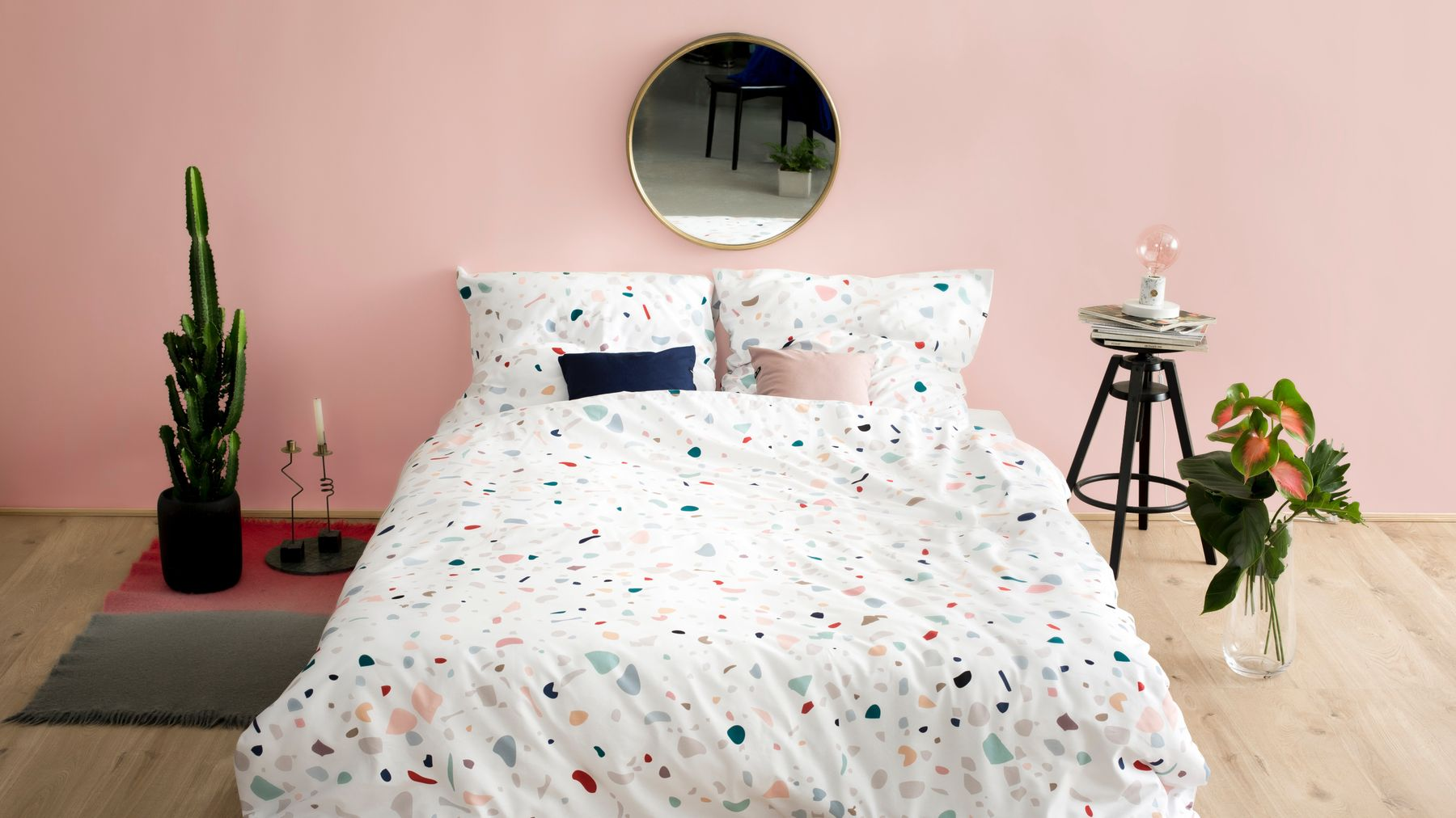 Small Bedroom Hacks If Your Room Is The Size Of A Shoe Cupboard | Grazia