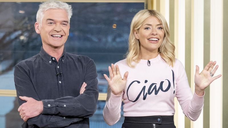 Is Holly Willoughby leaving This Morning? | Closer
